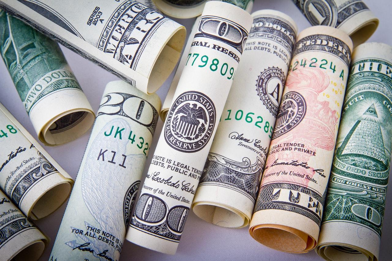 rulony pieniędzy